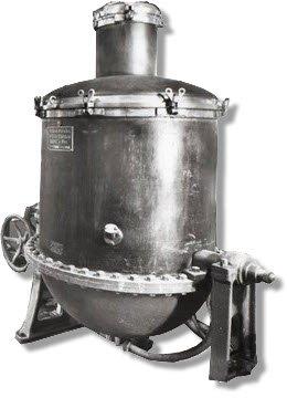 Maraschino liqueur: Luxardo factory, Zara, distilling machine (crt-01)