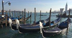 Harry's Bar: Gondole, Venezia.