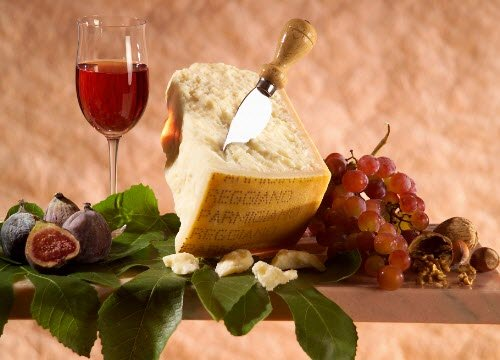 Parmigiano, the right wine (crt-01)