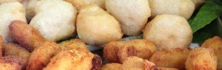 Crocchè di patate napoletani: Crocchè e pasta cresciuta.